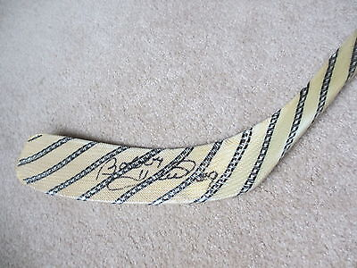 BOBBY HULL CHICAGO BLACK HAWKS  AUTOGRAPHED NORTHLAND STICK