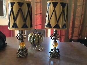 Lampes antiques hauteur 19 pouces $30 ens.