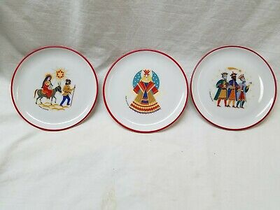 3 West German holiday plates, 1950, 4 inches in diameter.