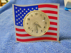 DECORATIVE PLASTIC AMERICAN FLAG DESK CLOCK BATTERY OPERATED QUARTZ