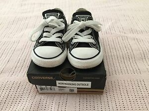 Girls/Boys infant Black and White Converse Shoes~Size 6 Macquarie Fields Campbelltown Area Preview