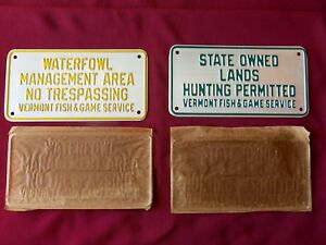 VINTAGE PAIR 1940's NOS VERMONT HUNTING SIGNS  - WATERFOWL &  HUNTING PERMITTED