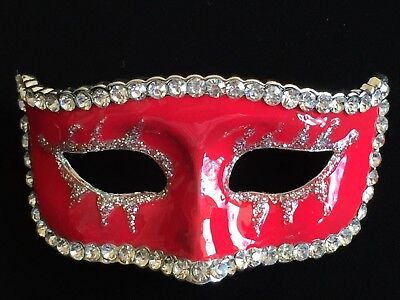 RED THEATER MUSICAL NEW YEARS EVE MARDI GRAS MASQUERADE PARTY MASK PIN BROOCH - Masquerade New Years Eve Party