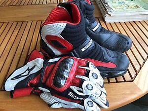 Alpinestars Racing Boots and Gloves Sz 9.5/Large