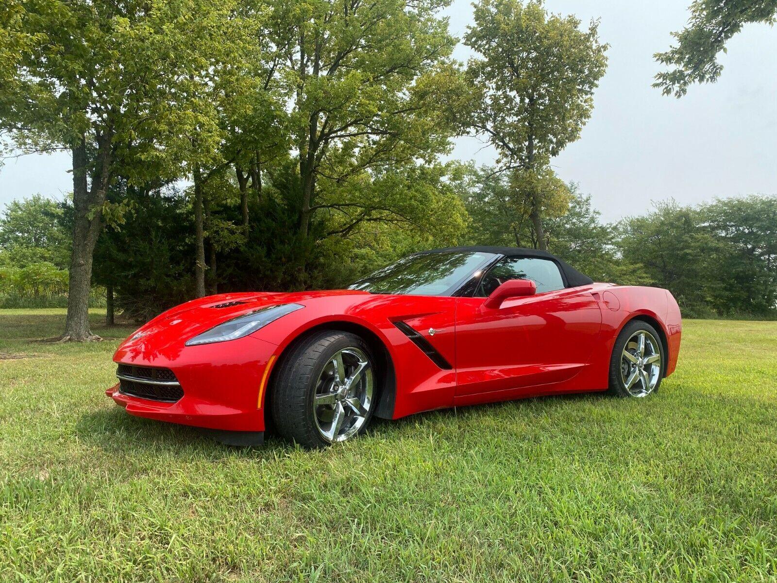 2014 Red Chevrolet Corvette     C7 Corvette Photo 1