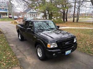 2011 Ford Ranger 1/4 Ton 4x2 Low Kilometres