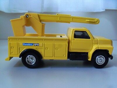 ERTL - PENELEC GPU ELECTRIC - FORD BUCKET UTILITY TRUCK - 1/34 DIECAST BANK
