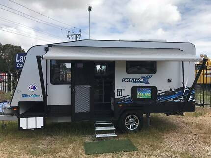 2017 Lagoon Blue Hawk Caravan for Sale
