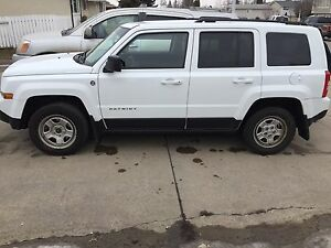 2014 White Jeep Patriot 2.4L 4X4