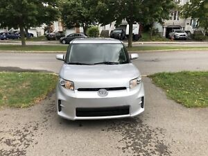 Toyota Scion XB 2011 en excellent état  low mileage