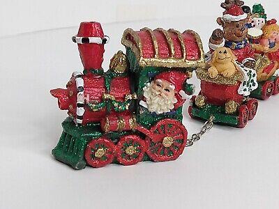 Santa Train 4 Cart with Gift for display Hard Plastic set Deco