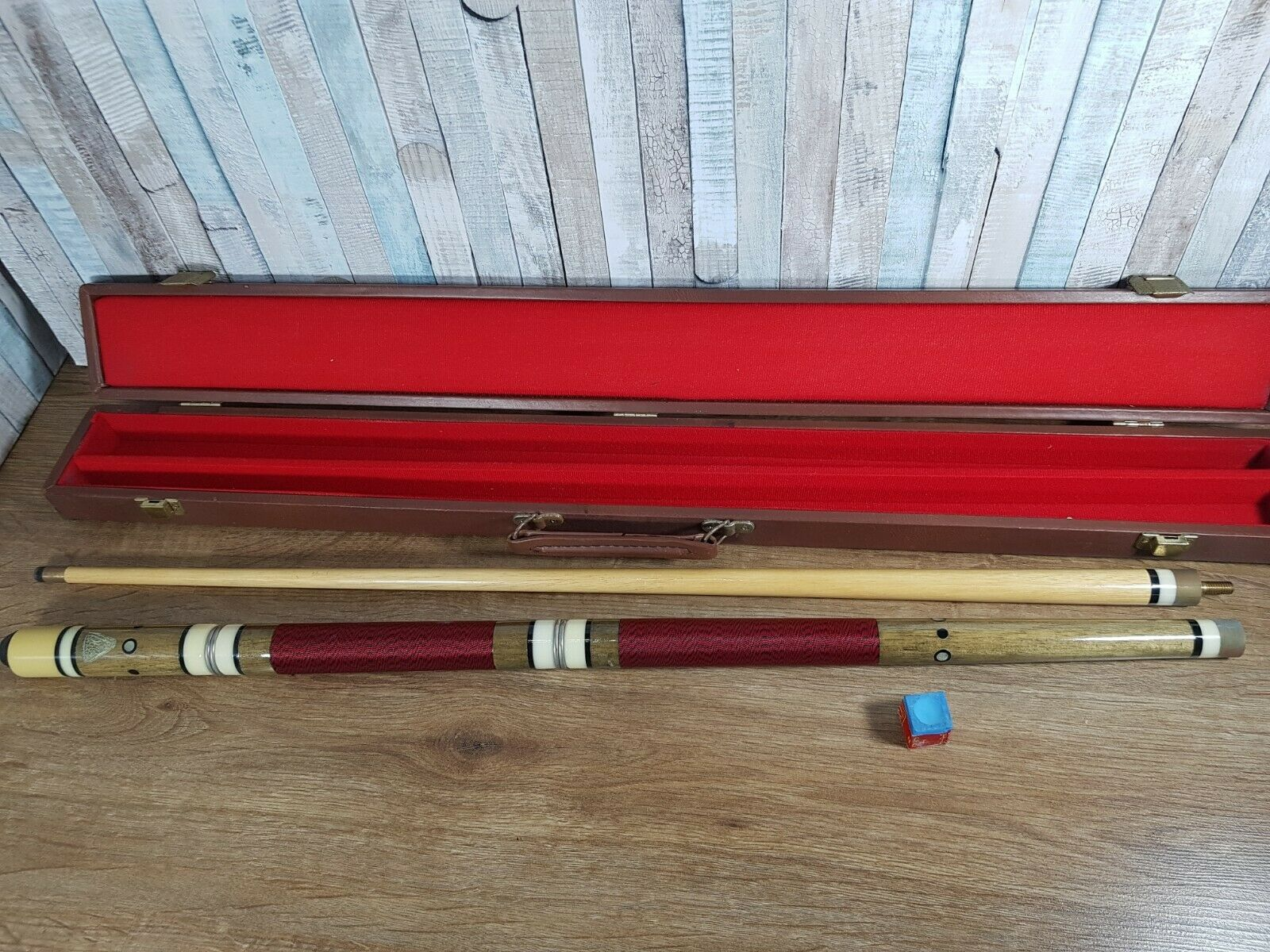 Vintage BCE Authentic 2-Piece  Cue 57.5 inch With Hard Brown Case ,70s-80s