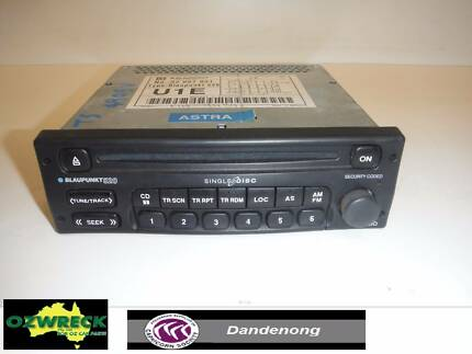 HOLDEN ASTRA TS CONVERTIBLE RADIO ICC CD PLAYER MODULE Dandenong Greater Dandenong Preview
