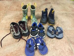 TODDLER BOYS SHOES  - Size 6