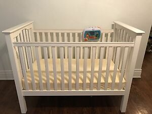 Baby crib/bed