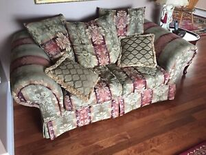 Couch and loveseat set. Great shape