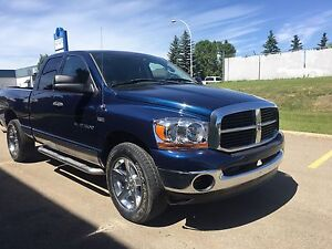 2006 Dodge Ram 1500 Quad cab 4 x 4 **low km**