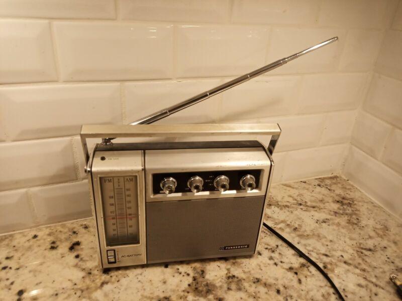 Vintage retro Panasonic Portable Radio RF-757 FM AM 2 Band used TESTED WORKS a9