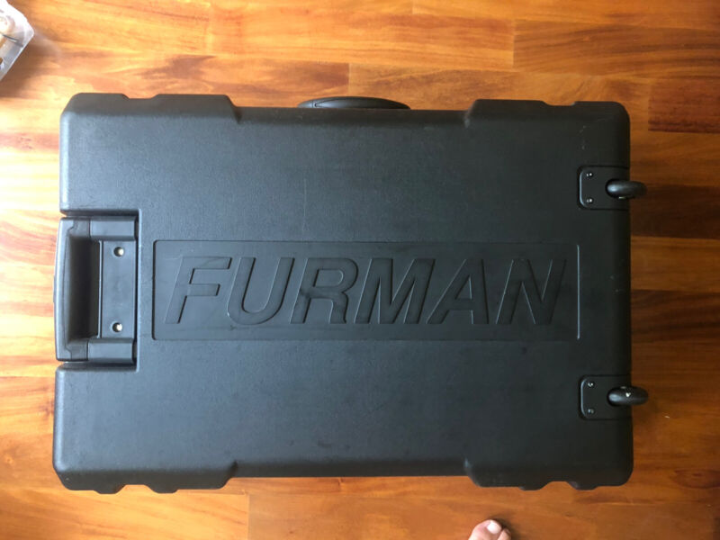Furman Spb-8c Stereo Powered Pedal Board - used - excellent
