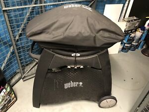 BBQ cart Weber + cover and broke grill