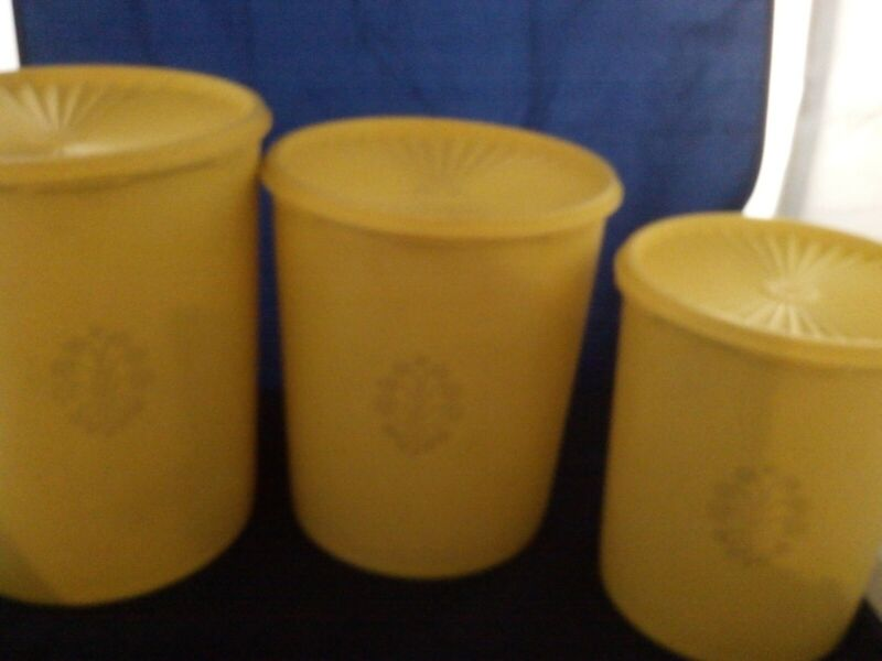 3-VINTAGE TUPPERWARE SERVALIER NESTING CANISTERS YELLOW VERY GOOD