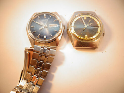 2 VINTAGE SEIKO AUTOMATIC 6309 AND 7009 WATCHES 1 RUNS FOR RESTORE WITH BAND