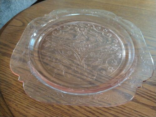 "PINK DEPRESSION GLASS 101/2"" DINNER PLATE EUC"