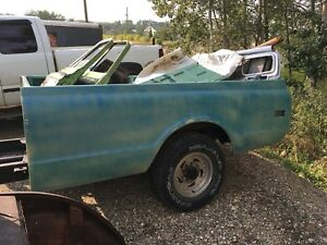 1972 GMC 3/4 : Chassis / Box / Tailgate / Doors / Chrome