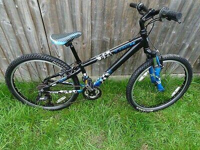 Trek MT 220 Boy's Black/Blue 24' Wheels Mountain bike Age 8-12 In Good Condition