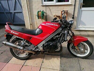 Honda VFR750F 1989 RC24