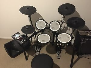 Roland TD-11 Electric drum kit Bokarina Maroochydore Area Preview