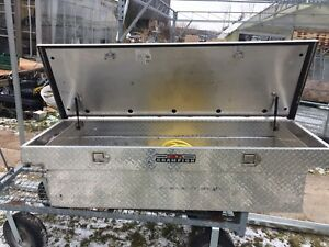 Truck Tool box in very good shape