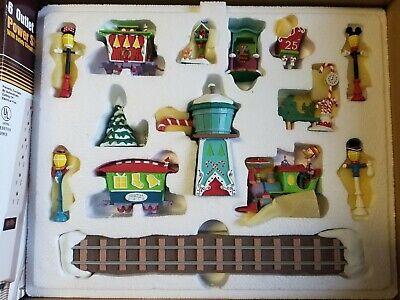 DANBURY MINT DISNEY CHRISTMAS WINTER WONDERLAND VILLAGE TRAIN SET