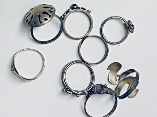 VINTAGE  LOT OF 8 MISC   RINGS