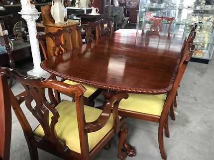 Regency Style Queensland Maple Dining Table Plus 8 Chairs