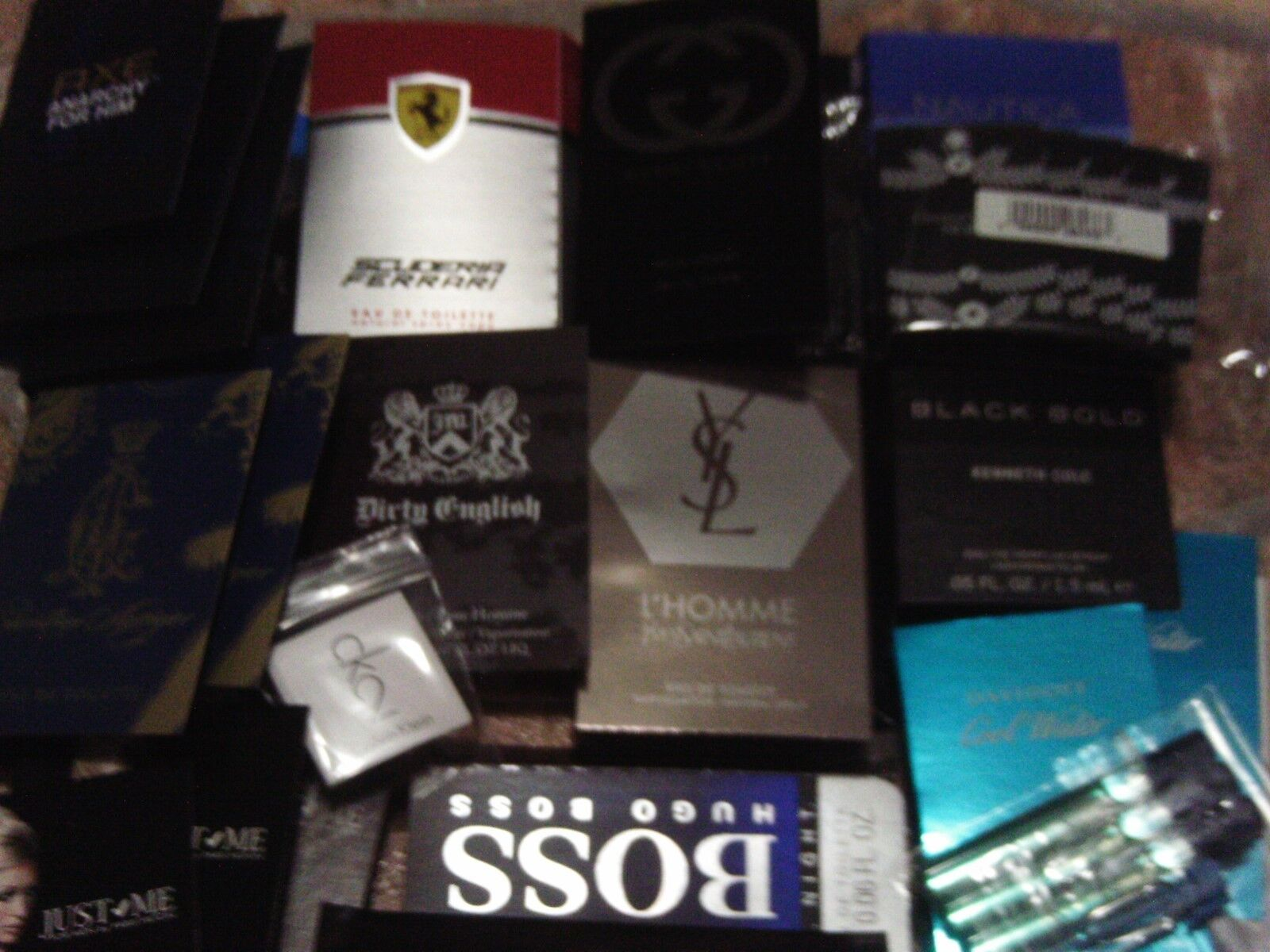 LOT OF 30m   MENS COLOGNE SAMPLES - DESIGNER BRAND VERY NICE