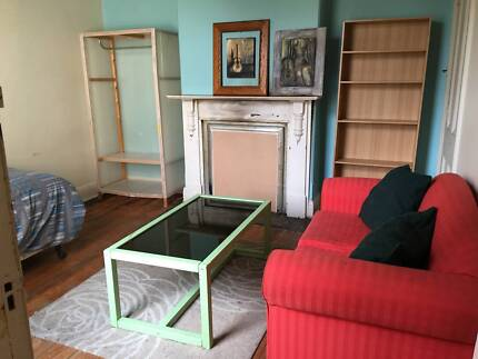 SHORT TERM FOR UP TO 2 PEOPLE IN ELSTERNWICK
