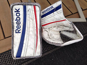 Reebok Premier 4 Goalie Gloves Kitchener / Waterloo Kitchener Area image 1