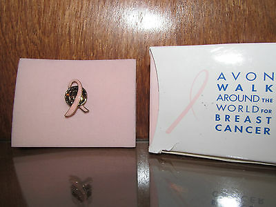 (AVON WALK AROUND THE WORLD ROSE BREAST CANCER PIN NIB 2005)
