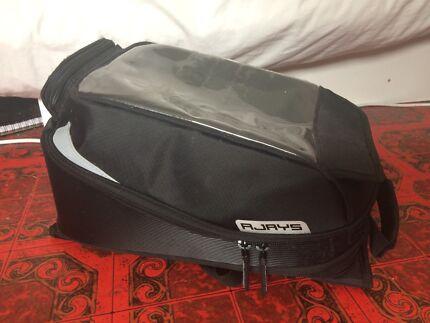 Motorcycle Tank Bag - Magnetic