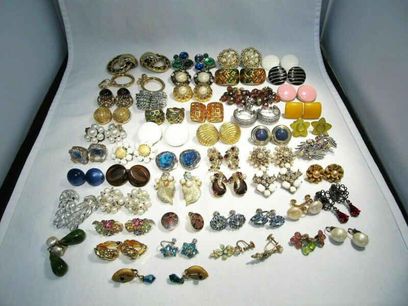 Vintage Costume Jewelry Lot of 50 Pairs Earrings C2660