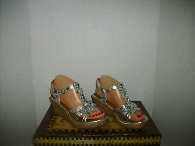 Womens/Girls Cupcake Coulter Silver Wedge Jeweled Sandals Size Women 7/Girls 5 - Girls Jeweled Sandals