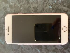 Iphone 7 32GB rose gold in great condition