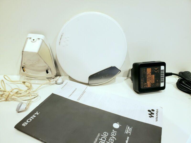 Sony D-NE820 CD Walkman White