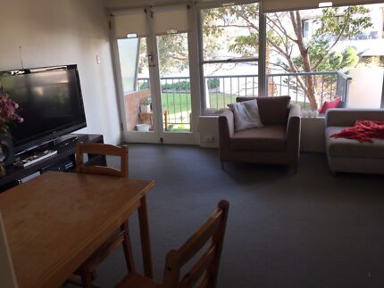 Queen room for rent manly