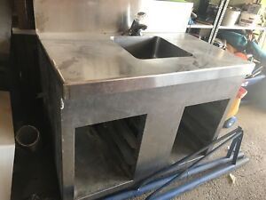 Metal sink and cabinet