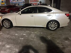 Lexus is 250 2007 pas de taxes particulier