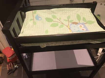 WOODEN BABY CHANGE TABLE WITH FREE CHANGE MAT
