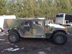 Hummer Hum-vee H1