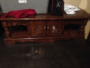 2 end table, 1 coffee table Windsor Region Ontario image 2